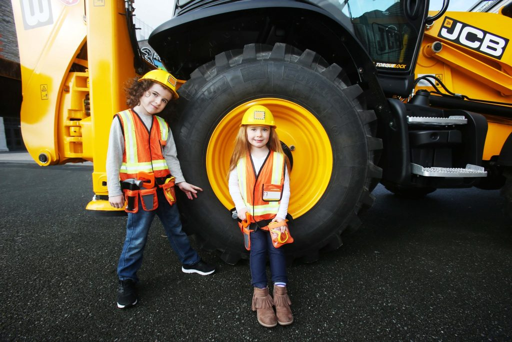 JCB's Ten Tonne Ballerinas – The Dancing Diggers, Awesome Aerobatics and Mega Machines at Construction Quarry Machinery Show